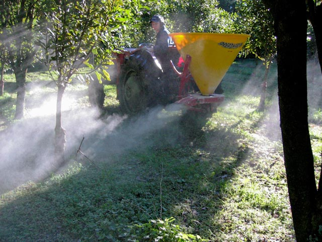 0013_fertilizer_spreading